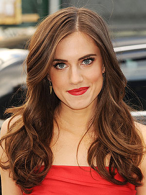 Allison Williams hair and makeup