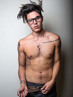 samuel larson 300x400 Chic Clicks: See 'Glee' Star Samuel Larsen Sans Dreadlocks (And Shirt); Plus, Drew Barrymore Shares Eyeliner Tips