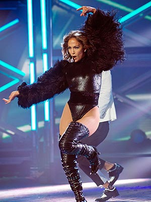 Jennifer Lopez body, clothes