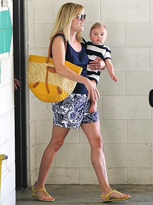 Reese Witherspoon shorts