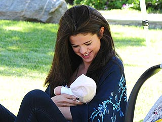 Selena Gomez and Her Baby Sister Feel the Love from Readers | Selena Gomez