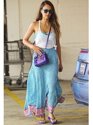 Jessica Alba skirt