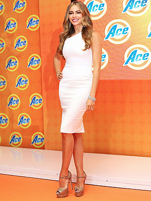 Sofia Vergara Ace press conference white dress
