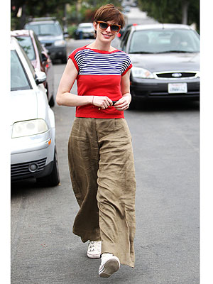 Anne Hathaway crazy pants