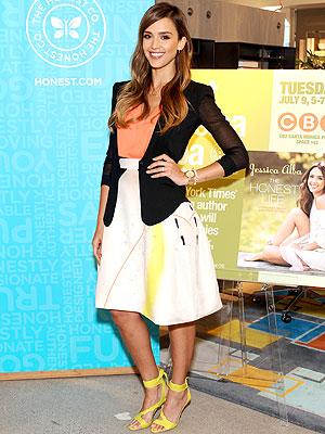 JESsica Alba print skirt