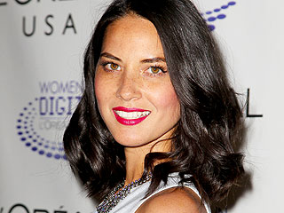 How Olivia Munn Deals With Anxiety That Makes Her Pull Out Her Eyelashes