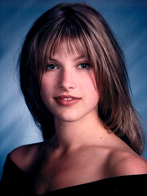 Ali Larter high school