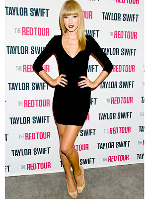 taylor swift 300x400 Taylor Swift Takes the Best Dressed Star Title In a Total Blackout