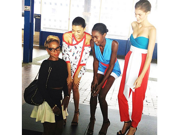 mary j blige 600x450 Spotted at NYFW: Mary J. Blige, Kanye West and More!