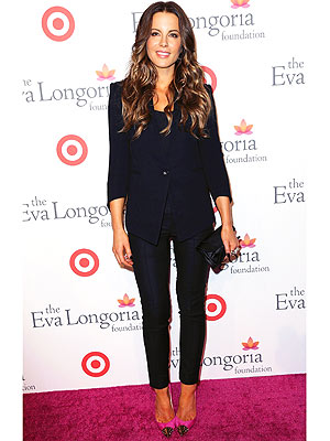 kate beckinsale 300x400 This Weeks Best Dressed: Kate Beckinsales Look Really Suits Her