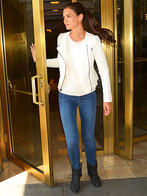 Katie Holmes jean jacket