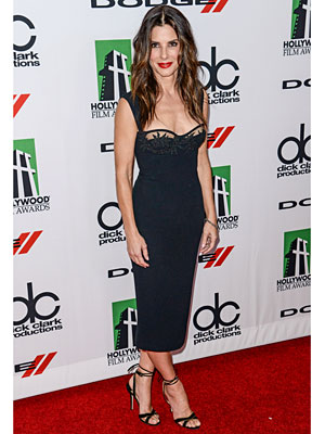 sandra bullock dress 300x400 This Weeks Best Dressed: Sandra Bullock Reaches Perfection