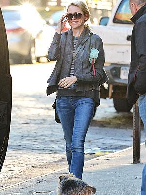 Naomi Watts jeans