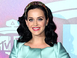 PHOTO: Is Katy Perry Wearing an Engagement Ring?