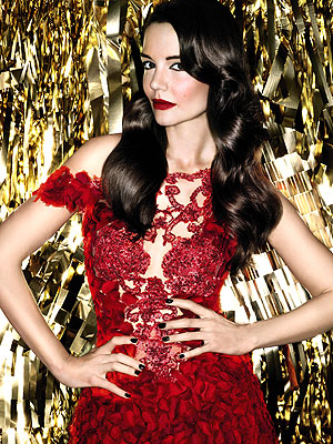 Katie Holmes Bobbi Brown red lips