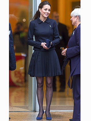 KAte Middleton navy outfit