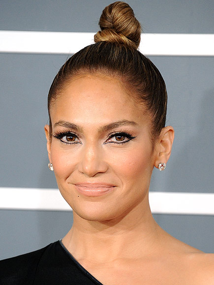JENNIFER'S TWISTED TOPKNOT photo | Jennifer Lopez