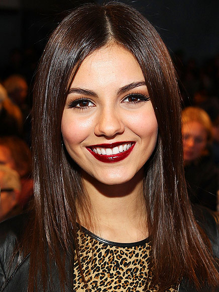 VICTORIA'S VAMPY LIPS photo | Victoria Justice