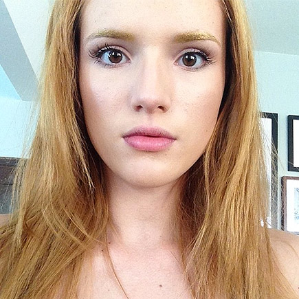 GOLD EYEBROWS photo | Bella Thorne