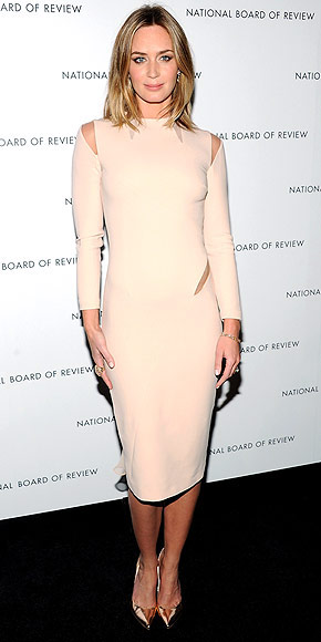 EMILY BLUNT AT THE NATIONAL BOARD OF REVIEW AWARDS photo | Emily Blunt