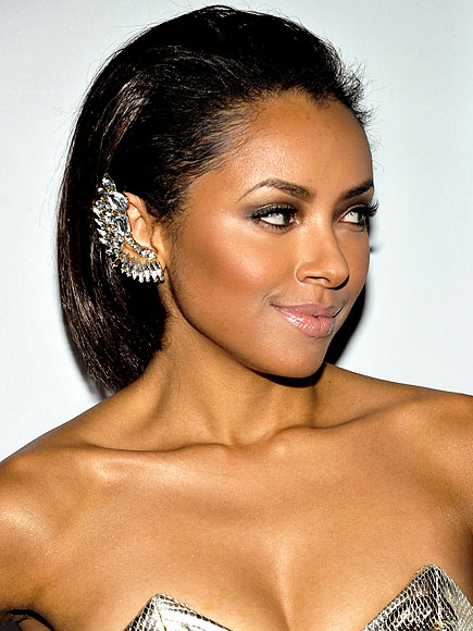 IF YOU HAVE NEW  EARRINGS ... photo | Kat Graham