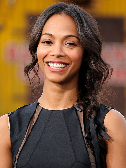 IF YOU HAVE 3 MINUTES WITH YOUR CURLING IRON ...  photo | Zoe Saldana