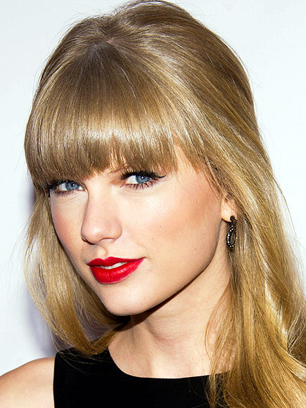 CLASSIC RED LIP photo | Taylor Swift