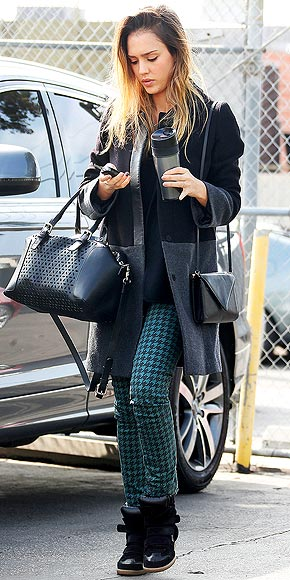 PURSE-ON-PURSE ACTION photo | Jessica Alba