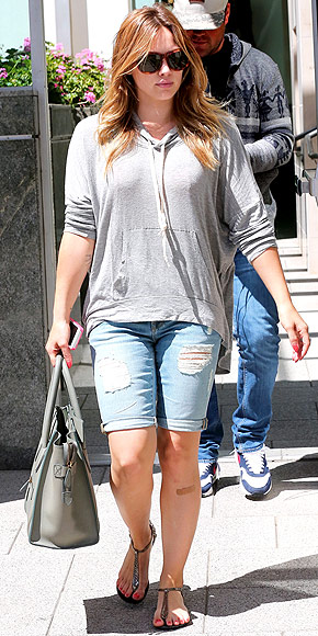 BERMUDA JORTS photo | Hilary Duff