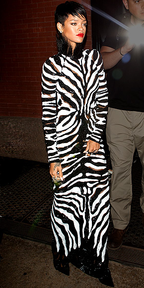 DRESSING LIKE A ZEBRA photo | Rihanna