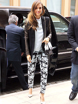 Love Her Outfit! | Jessica Alba