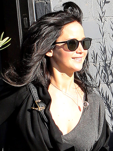 JENNIFER LAWRENCE'S SUNGLASSES photo | Jennifer Lawrence