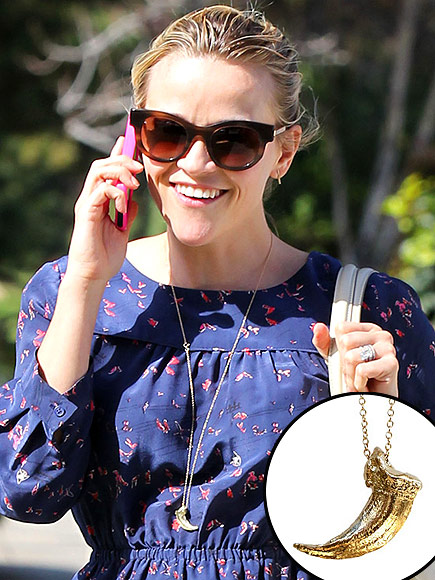 REESE WITHERSPOON'S PENDANT photo | Reese Witherspoon