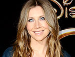 Sarah Chalke Introduces How to Live with Your Parents