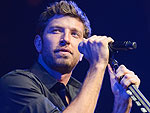Brett Eldredge Performs 'Beat of the Music'