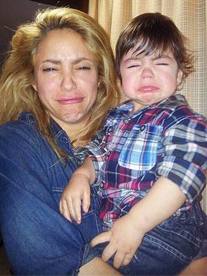 Певица Шакира с сыном