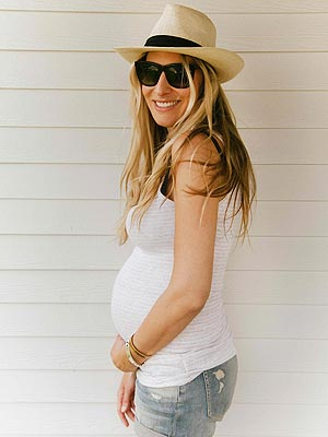 Holly Williams Pregnant Expecting First Child