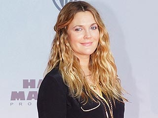 Drew Barrymore Stylishly Steps Out 4 Weeks After Baby | Drew Barrymore