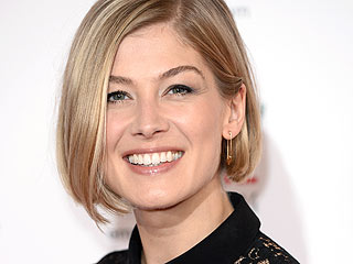 Gone Girl's Rosamund Pike on the 'Most Toxic Marriage in the World' | Pregnancy, Pregnancy, Rosamund Pike