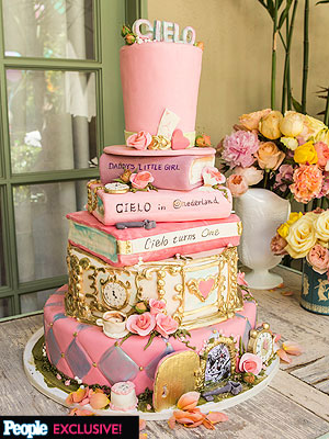 david tutera t1 300x400 Inside David Tuteras Daughter Cielos First Birthday Party