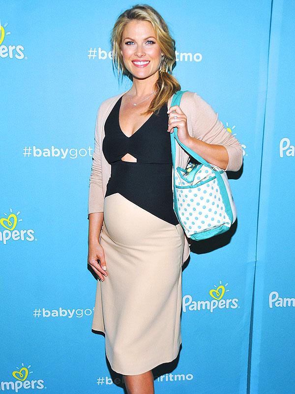 Ali Larter Pregnant Pampers