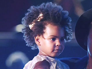 Jay Z and Beyoncé Dig into Post-Super Bowl Burgers with Blue Ivy