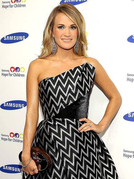 Carrie Underwood Pregnant Expecting First Child