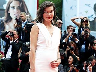 Milla Jovovich Debuts Her Baby Belly | Milla Jovovich