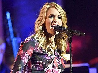PHOTO: Carrie Underwood Debuts Her Baby Belly