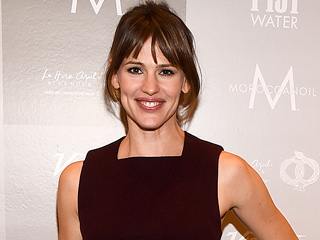 Jennifer Garner Says She's a 'Long Way' from Giving Her Kids Phones