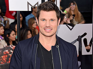 Nick Lachey: Vanessa Makes Second Pregnancy 'Look Effortless'