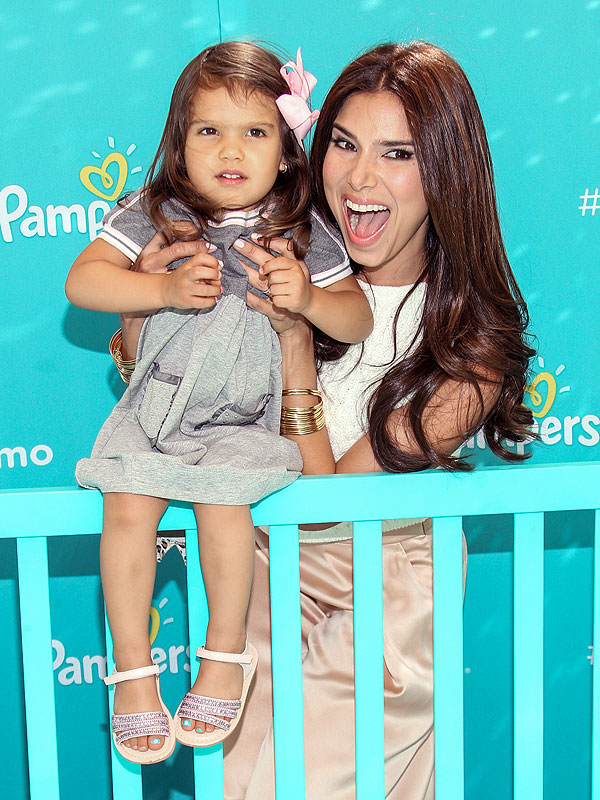 Roselyn Sanchez Pampers Baby Got Moves