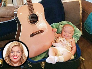 Gift Kelly Clarkson s Baby Kelly Clarkson Baby Guitar
