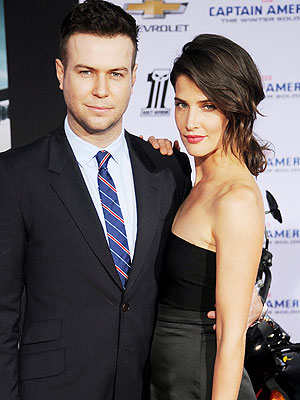 Cobie Smulders Pregnant Taran Killam Expecting Second Child